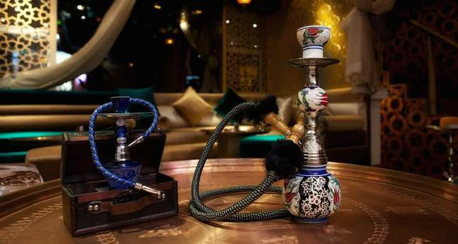 Smoking hookah in Turkey, Turkish hookah cafe